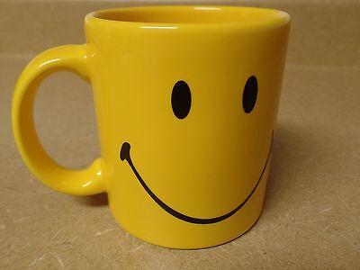 Waechtersbach Yellow Smiley Happy Faces Ceramic Coffee / Tea Mug Germany EUC