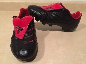 Women's Adidas Red & Black Outdoor Soccer Cleats Size 5.5