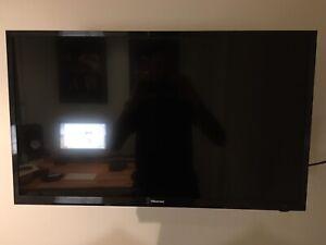 "Hisense 32"" TV and wall bracket"