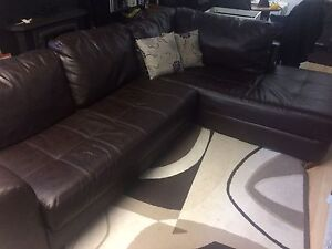 Great looking comfortable sectional