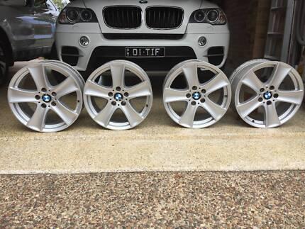 18 INCH GENUINE BMW X5 E70 2011 RUN FLAT ALLOY WHEELS