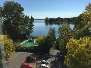 5 1/2 Incredible views of the St.Lawrence River