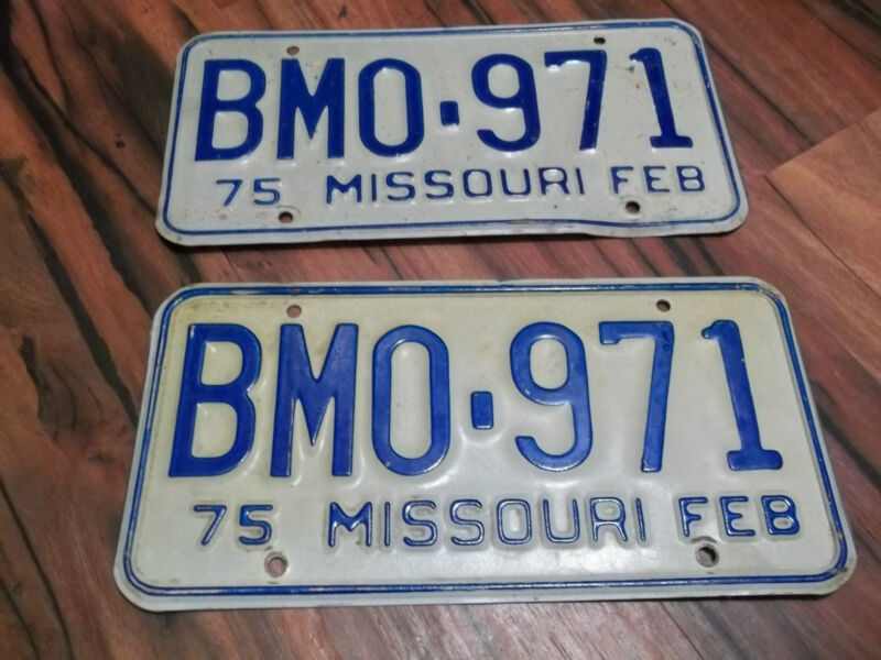 BM0 971 FEB 1975 Missouri License Plate Pair