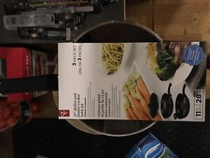 """11"""" skillet and jumbo cooked with lid, 3 piece set"""