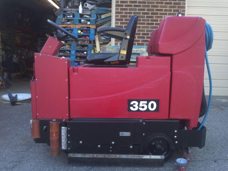 RECONDITIONED TomCat 350 35-inch Disc Rider Floor Scrubber, under 700 Hours