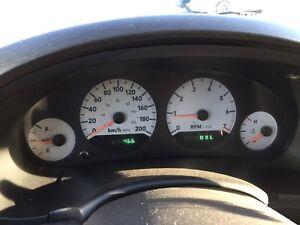 For sale dodge caravan 2005 active 1750$ winter tires summer set