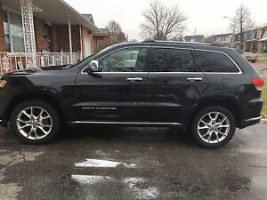 2014 Jeep Grand Cherokee Summit - Low Kms