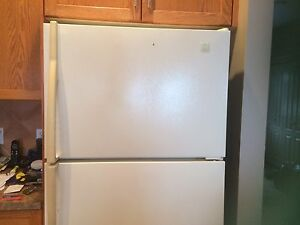 Maytag Fridge-Excellent for basement, rental suite or cabin