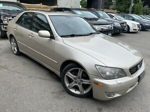 2005 Lexus is300