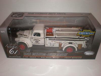 1/16 Highway 61 1946 Chevrolet Medium-Duty Truck
