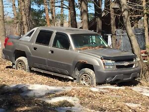 Parts Truck - 2003 Avalanche