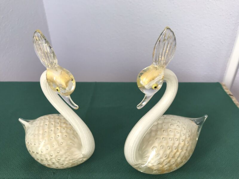 Pair Vtg Fratelli Toso Murano Glass Swan Figurines ~~Camer Glass Import, NY