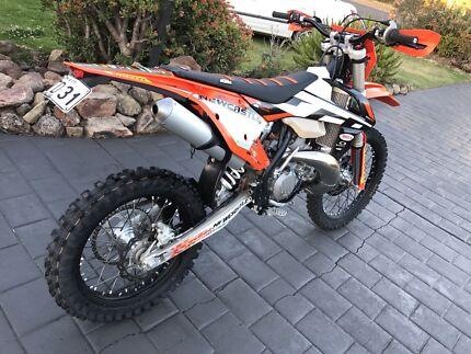 KTM EXC 300 17 model