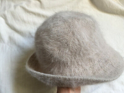 VINTAGE Ladies Beige Bucket Hat -  80% Angora