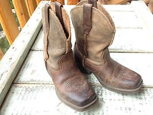 Boys Ariat Cowboy Boots, Like New