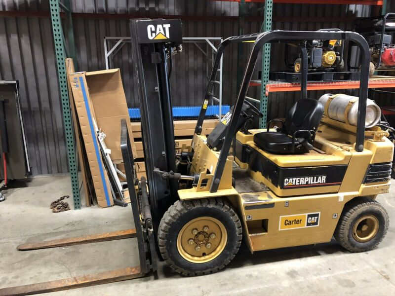 Caterpillar V50E Forklift Used Great Condution LP 4,500 Pound