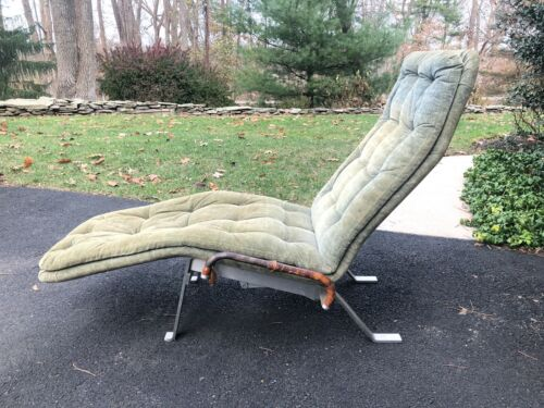 Danish Mid Century Modernist Chaise Lounge in the Style of Kastholm Fabricus