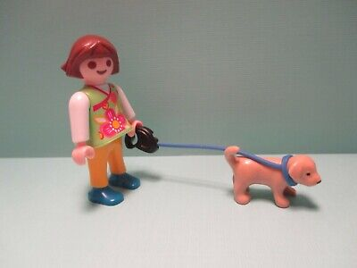 Animated Girl Walking (Playmobil animals GIRL WALKING SMALL TAN PUPPY ON BLUE)
