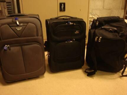 Luggage set with wheels