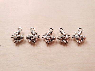 Kleine Charms (5 x Kleine süße Krebs Anhänger * Maritimer Schmuck * Basteln Deko Charms Silber)