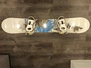 Forum Snowboard with Ride Vixen Bindings for Sale!!!