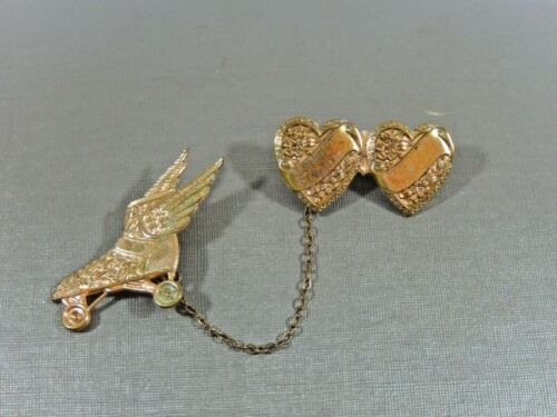 ANTIQUE ART DECO ROLLED GOLD SWEETHEART & WINGED ROLLERSKATE CHATELAINE BROOCH