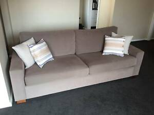 Freedom 2.5 seater couch