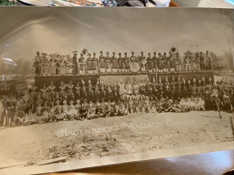 Rare Hagenbeck Wallace Circus group photo by Edward Kelty 20x12