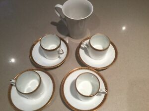 4 Demitasse/Expresso cups and saucers  Richard Ginori Italy