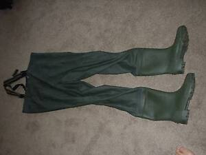 Fishing waders gumtree australia free local classifieds for Surf fishing waders
