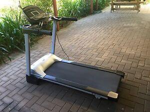 DKN T810 gym quality treadmill Littlehampton Mount Barker Area Preview