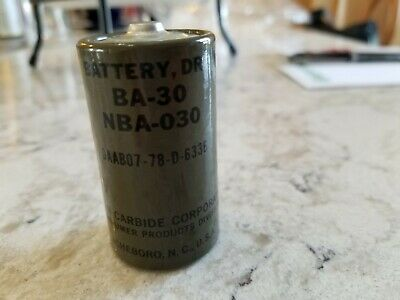 Eveready BA-30 DRY  D cell Vintage batteries flashlight transistor old MILITARY