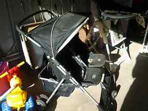 Twin side by side pram Pakenham Cardinia Area Preview