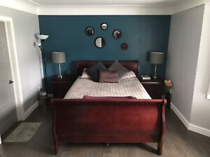 Solid Wood Queen Bedroom Set in Cherry