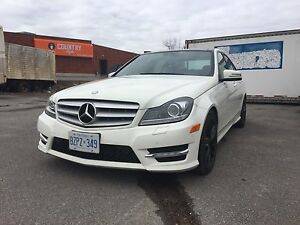 2012 Mercedes-Benz C300 4Matic Sedan Navi Pano AMG Sport Package