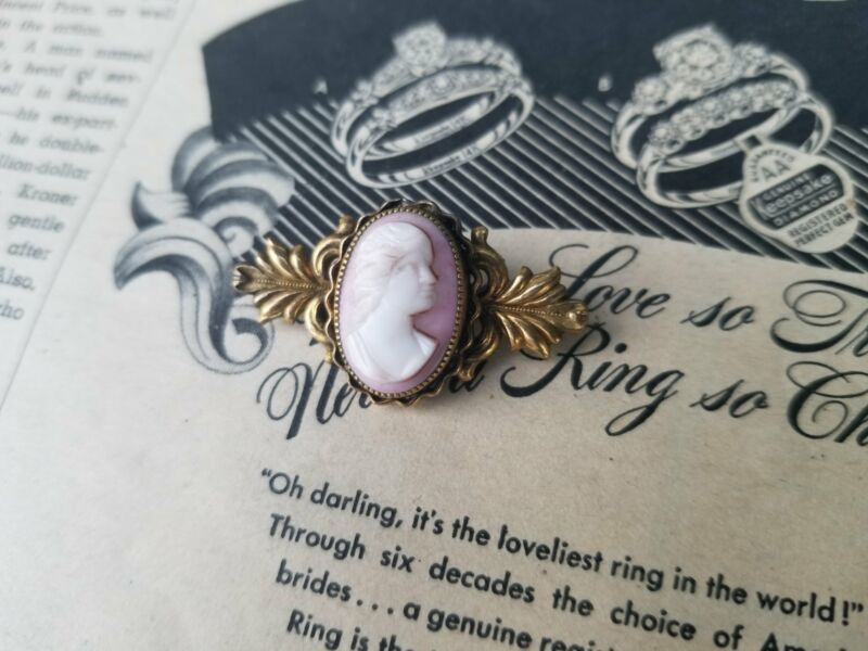 Antique Art Nouveau pink painted glass gold filled cameo brooch estate pin