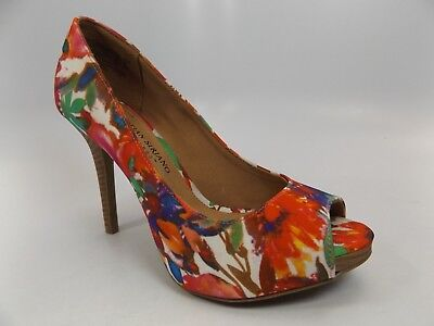 CHRISTIAN SIRIANO for PAY LESS Women's Pump Heels MULTI-COLOR SZ 5.5 WIDE  D7416 ()