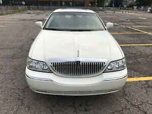 Lincoln Town Car 2003- 94,000 km, Excellent Condition