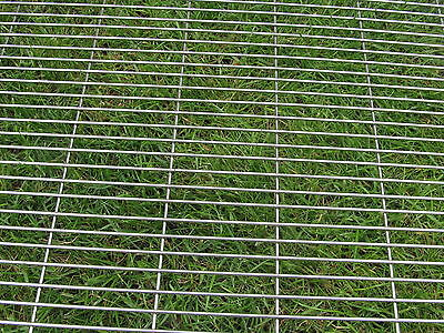 Stainless steel 304 mesh (ideal to make BBQ grills / trays)ANY SIZE CUT TO ORDER