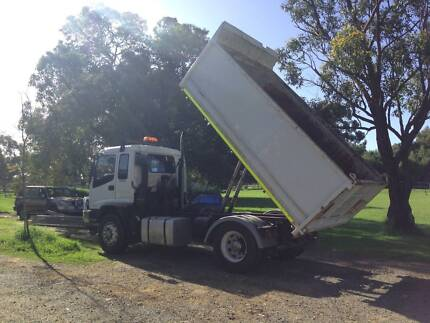 Isuzu Prime mover Tipper truck single drive