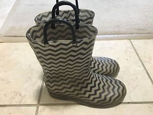 Rain boots of size 2