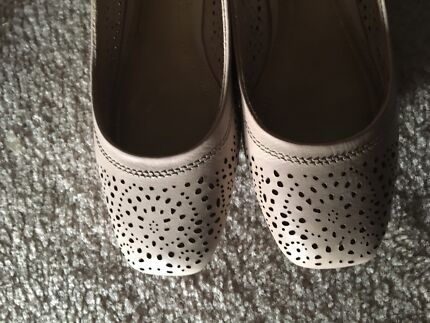 Hush puppies ladies shoes size 8
