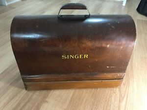 Vintage Antique Singer Sewing Machine 1940's