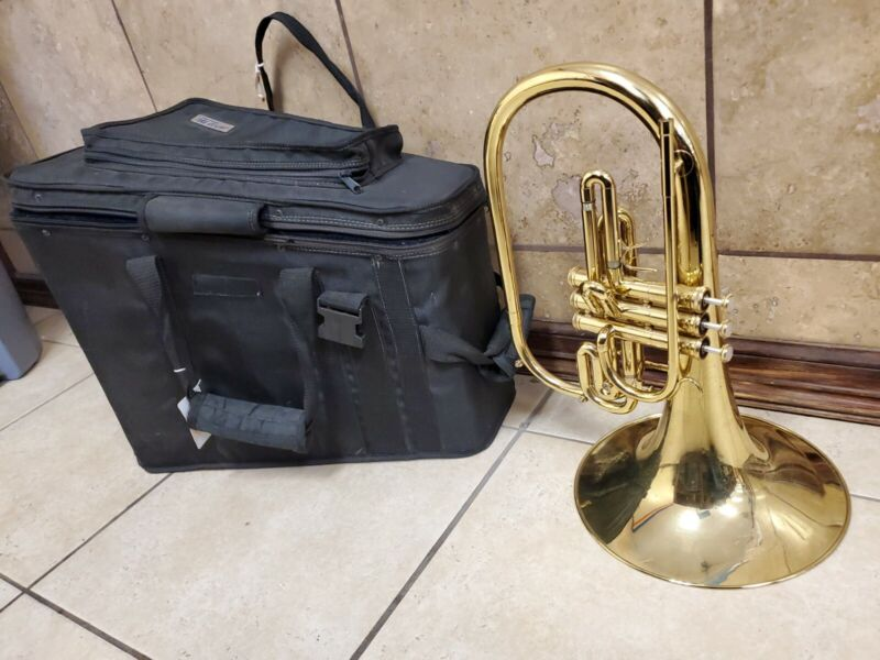 By Getzen USA D7096 Marching French Horn with Case