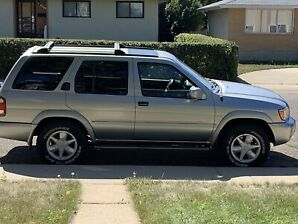2001 Nissan Pathfinder LE (Mechanic's Special)