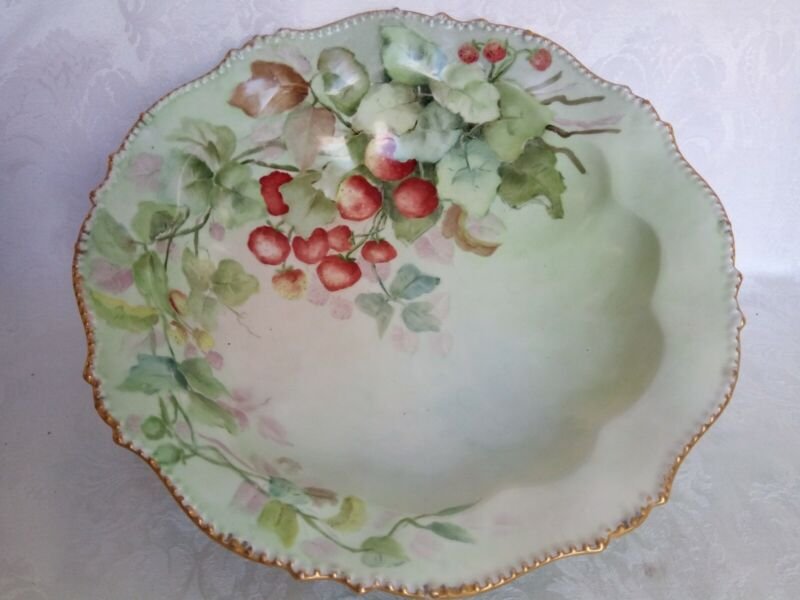 """ANTIQUE LIMOGES FRANCE HAND PAINTED STRAWBERRIES &GOLD FOOTED BOWL 10,5"""""""