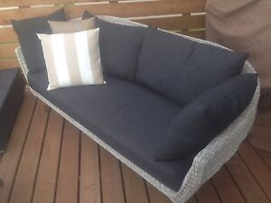 Brand new patio set: top quality very comfortable