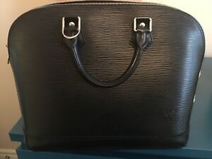 Louis Vuitton Alma MM Epi Black