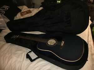 acoustic guitar (art and lutherie) mint condition