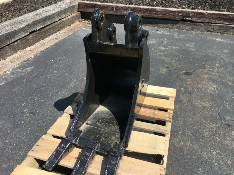 "New 12"" Takeuchi Tb228 Heavy Duty Excavator Bucket W/ Coupler Pins"